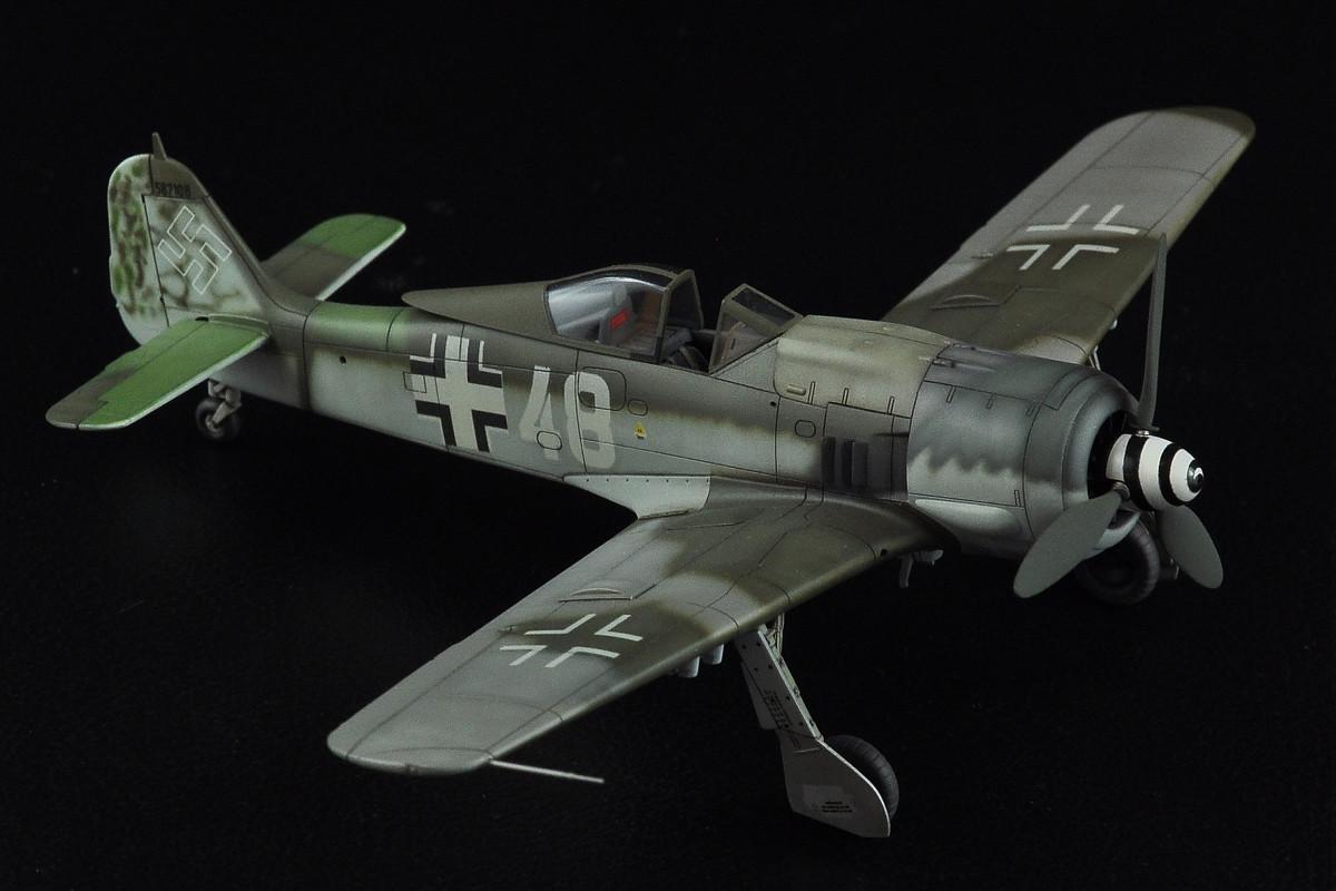 1/72 scale model Focke Wulf Fw 190 F-8 White 48 W.Nr. 587108 Lippstadt